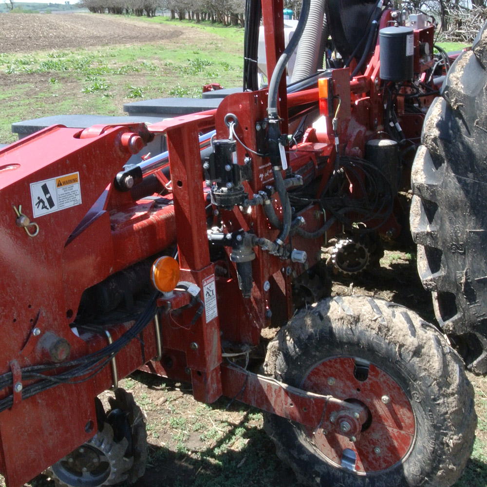 GX2 on Case IH using extender bracket